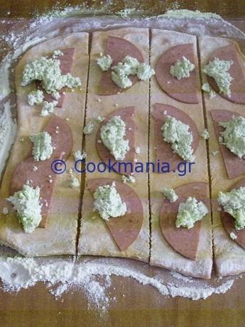 pull-apart-ντοματένιο-ψωμί-με-φέτα-και-μυρωδικά-2